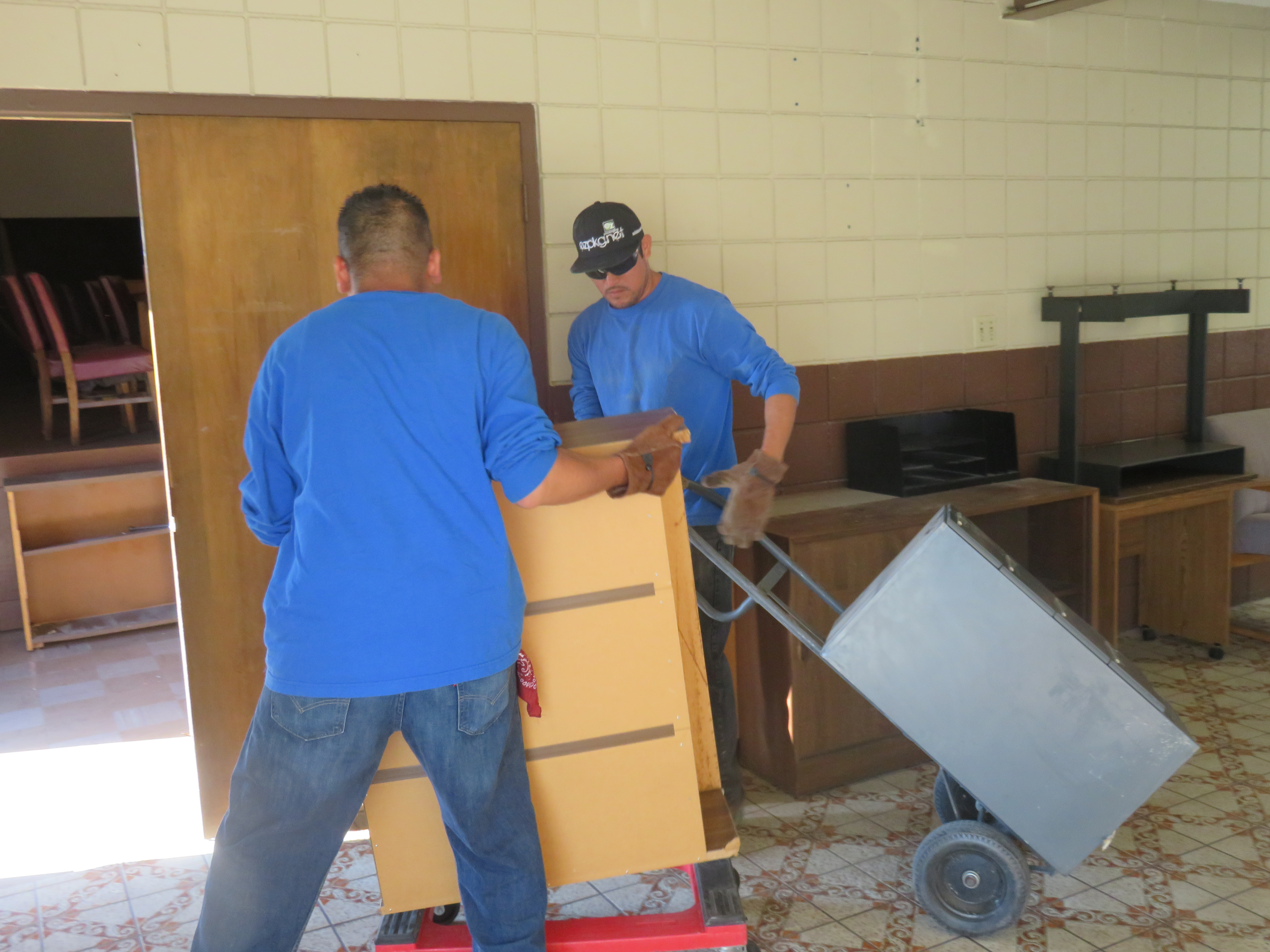 walpaper heavy let and with furniture lifting the hauling us do
